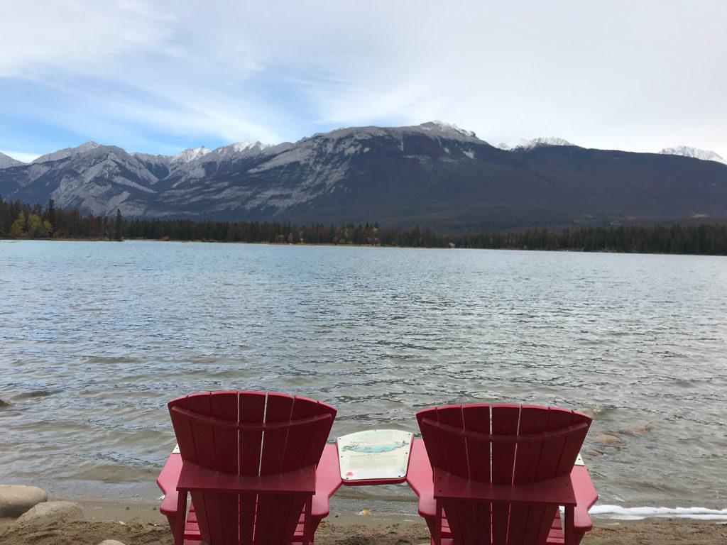 Lac Edith près de Jasper dans les Rocheuses