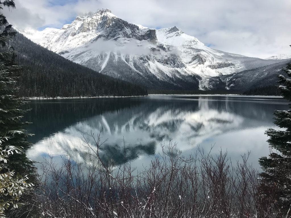 Emerald Lake près des Rocheuses au Canada