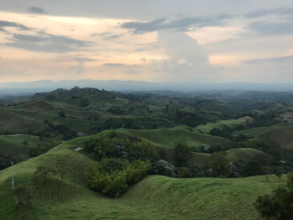 Panorama depuis le mirador de Filandia en Colombie