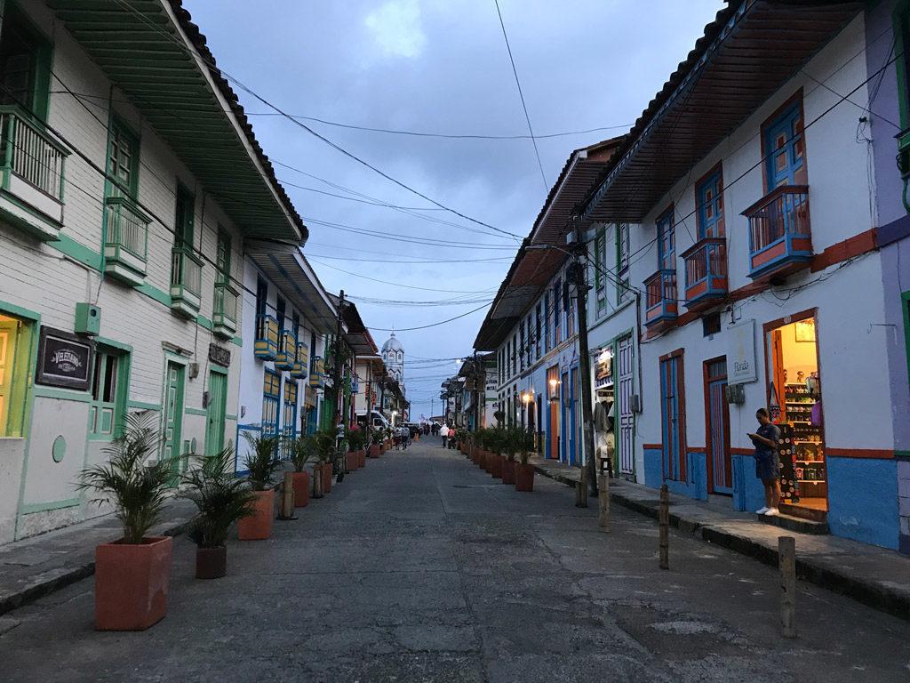 Dans les rues de Filandia en Colombie
