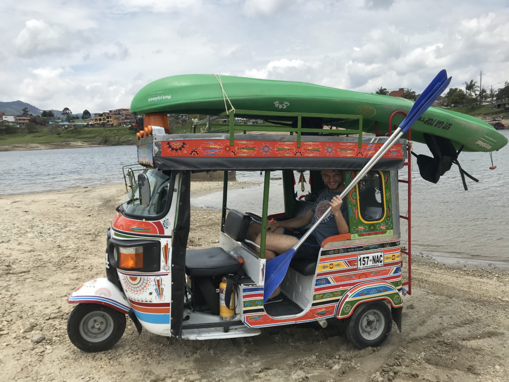Faire du kayak à Guatapé