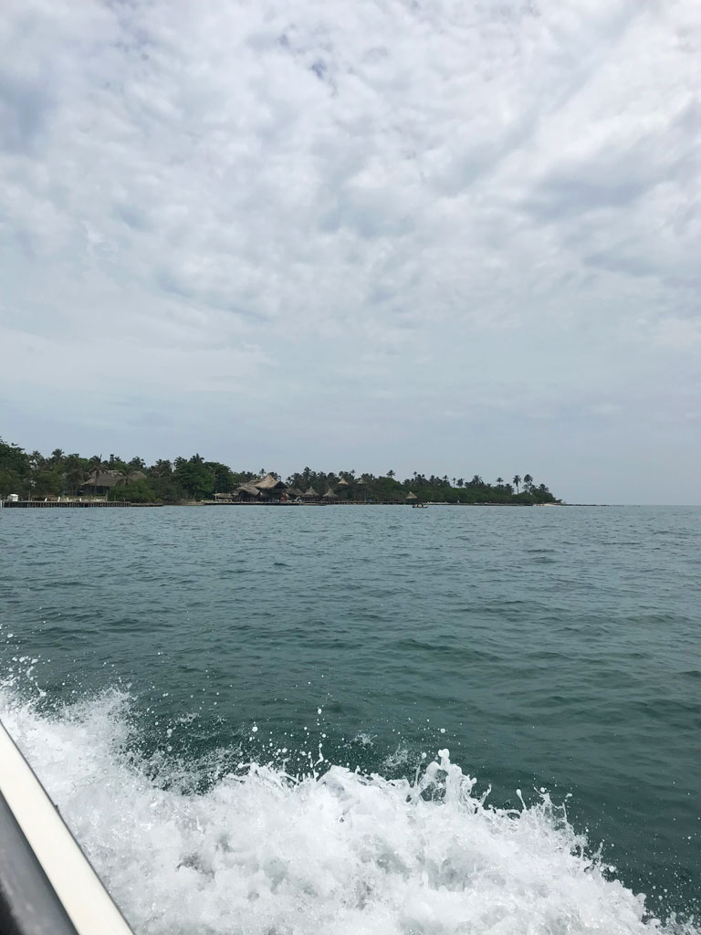 Arrivée sur Isla Mucura en Colombie